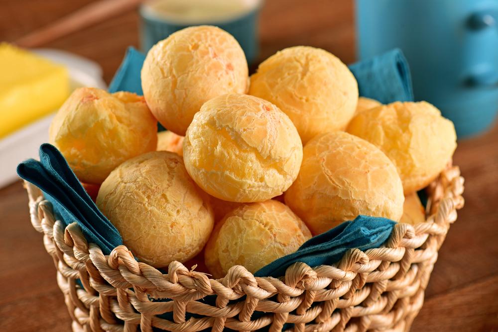 Basket of pan de queijo
