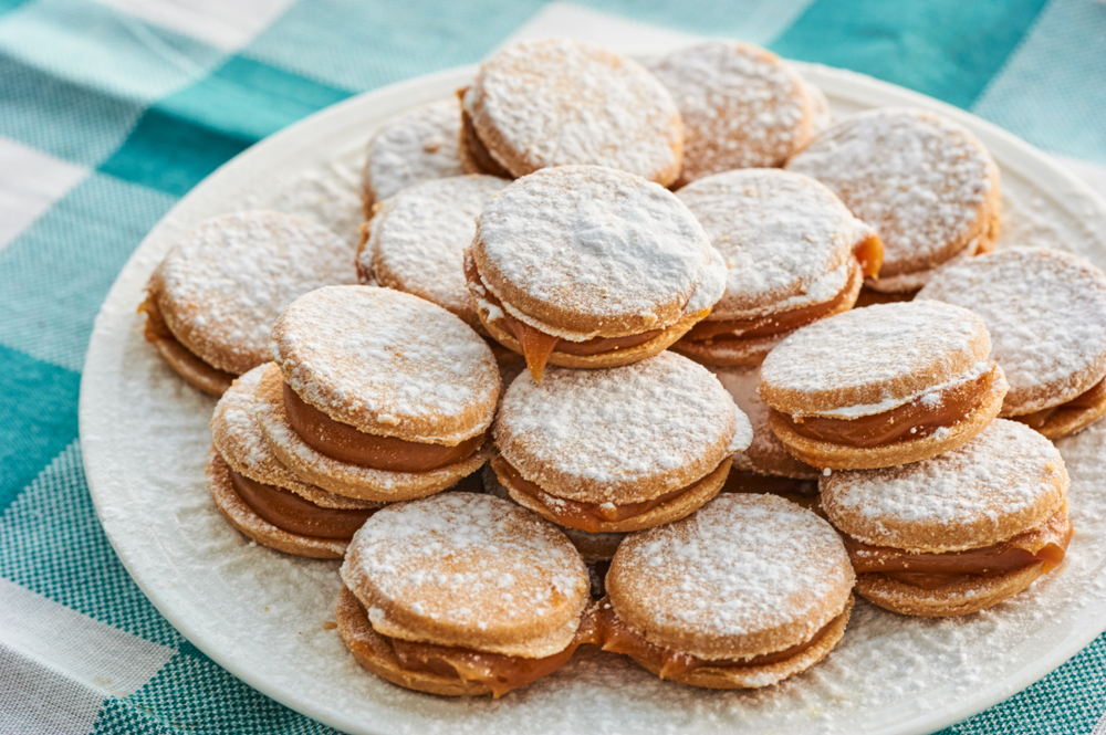 Plate full of Peruvian alfajores cookies